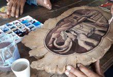 "Photo of ชาวสุโขทัยผลิต ""เขียงไม้โชว์ศิลปะ"" สร้างรายได้นับหมื่นบาท"
